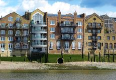 Die Docks von London lizenzfreie stockfotos