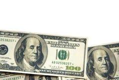 100 die dollarsbankbiljetten op witte achtergrond worden geïsoleerd Royalty-vrije Stock Foto