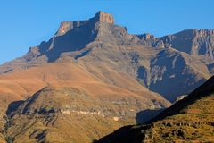 Die Drachenberge-Berge - Südafrika lizenzfreie stockbilder