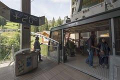 Die Drahtseilbahn von MÃ-¼ rren zum Brigg, die Schweiz Lizenzfreie Stockfotos