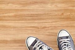 Die Draufsicht von Weinlese-Blau-Schuhen Stockfoto