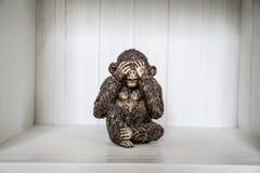 Die drei Affe-Skulptur hören, dass zu sprechen 2 sehen Sie Lizenzfreies Stockbild