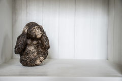 Die drei Affe-Skulptur hören, dass zu sprechen 6 sehen Sie Lizenzfreie Stockbilder