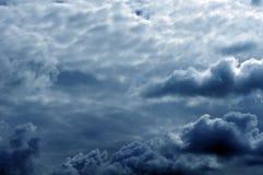 Die Dunkelheitwolken Lizenzfreies Stockbild