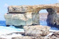 Die Dwejra-Bucht Gozo Malta Fenster des natürlichen Bogens azurblaue Stockbilder