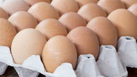 Die Eier im Paket Lizenzfreies Stockbild