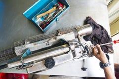 Die Einnebelung bearbeitet Ausrüstung maschinell, um für Tötungen Aedesmoskito zu verwenden Stockfoto