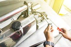 Die Einnebelung bearbeitet Ausrüstung maschinell, um für Tötungen Aedesmoskito zu verwenden Lizenzfreies Stockbild