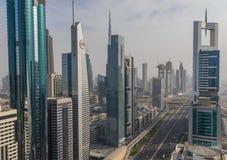 Die einzigartigen Skyline von Dubai stockbild