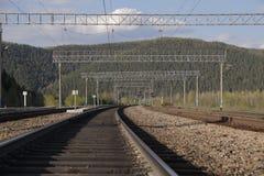 Die Eisenbahn in den Bergen Stockbild