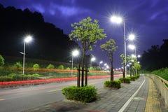 Die energiesparende Straßenbeleuchtung hergestellt durch LED Lizenzfreie Stockbilder