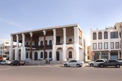 Die englische Kolonialarchitektur auf der Straße Khalij-e Fars in Bushehr-Stadt oder in Bushire, der Iran Stockfotografie
