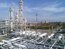 Die Erdölraffinerie Stockbilder