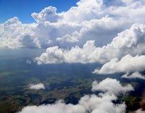 Die Erde von der Höhe des Fluges des Flugzeugs Stockbilder