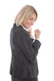 Die erfolgreiche zujubelnde gealterte Mitte lokalisierte Geschäftsfrau über whi Stockfoto