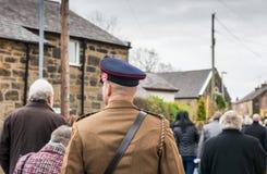 Die Erinnerungs-Parade auf Erinnerung Sonntag 2016 in Wrexham Wales lizenzfreie stockbilder