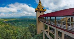 Die erstaunliche Schönheit der Pagode buchstäblich Wunsch-erfüllendes Sutaungpyei Lizenzfreie Stockfotos