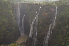 Die erstaunlichen und gigantischen Stoßfälle Lizenzfreie Stockbilder