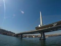 Die erste Bosporus-Brücke, die Europa und Asien in Istanbul anschließt stockbild