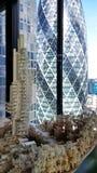 Die Essiggurke gesehen vom Leadenhall-Gebäude stockfotografie
