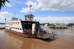 Die Fähre im Mekong stockfoto