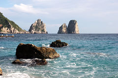 Die Faraglioni-Felsen, Capri-Insel Stockbild