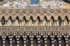 Die Fassade der Kathedrale des St Andrew in Amalfi lizenzfreie stockfotos