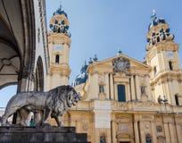 Teathiner Kirche München Stockfotos