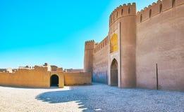 Die Fassadenwand von Rayen-Schloss, der Iran stockfoto