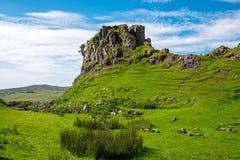 Die feenhafte Schlucht auf der Insel von Skye Stockfotografie