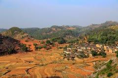 Die Felder und der Fluss in bama villiage Stockfotos