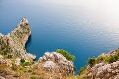 Die Felsen auf dem Seestrand Stockfotos