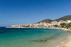 Die Felsen und die Kiesel der Küstenlinie in Ajaccio in Korsika Lizenzfreies Stockbild