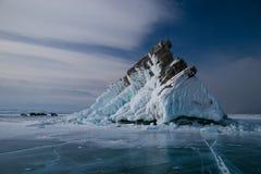 Die Felseninsel im Eis Stockbild