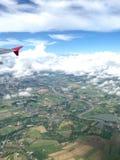 Die Fensterplatzansicht ist Showwolken und und Landschaftsansicht Stockfoto