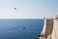 Die Festung und das Meer Stockbilder