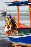 Die Flagge auf Fischerboot. Stockfotografie