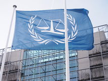 Die Flagge der neuen internationalen Strafkammer Stockbild