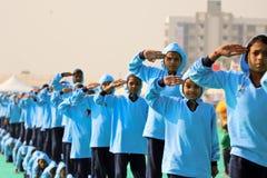 Die Flagge ehren, die auf opning Zeremonie an 29. internationalem Drachenfestival 2018 - Indien marschiert Lizenzfreies Stockbild