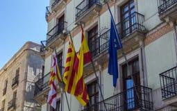 Die Flaggen von Spanien, von Katalonien und von EU Stockfotografie