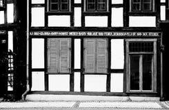 Hälfte-gezimmerte Fassade Stockfotografie