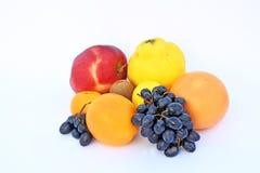 Die Früchte von verschiedenen Farben Stockbilder