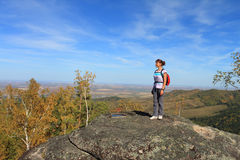 Die Frau auf dem Berg Lizenzfreies Stockfoto