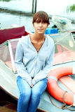 Die Frau auf dem Schiff Stockfoto