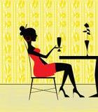 Die Frau an der Gaststätte Stockbild