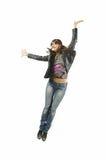 Die Frau, die von der Freude springt Stockfotografie