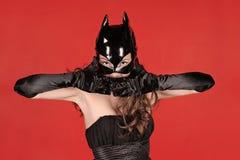 Die Frau eine Katze Lizenzfreie Stockfotos