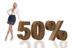 Die Frau im 50-Prozent-Verkaufskonzept stockfotografie