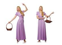 Die Frau mit dem Obstkorb lokalisiert auf Weiß Lizenzfreies Stockfoto