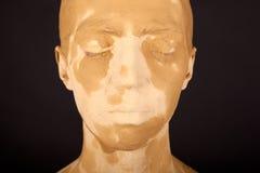 Die Frau mit der Gesichtsmaske Lizenzfreies Stockbild
